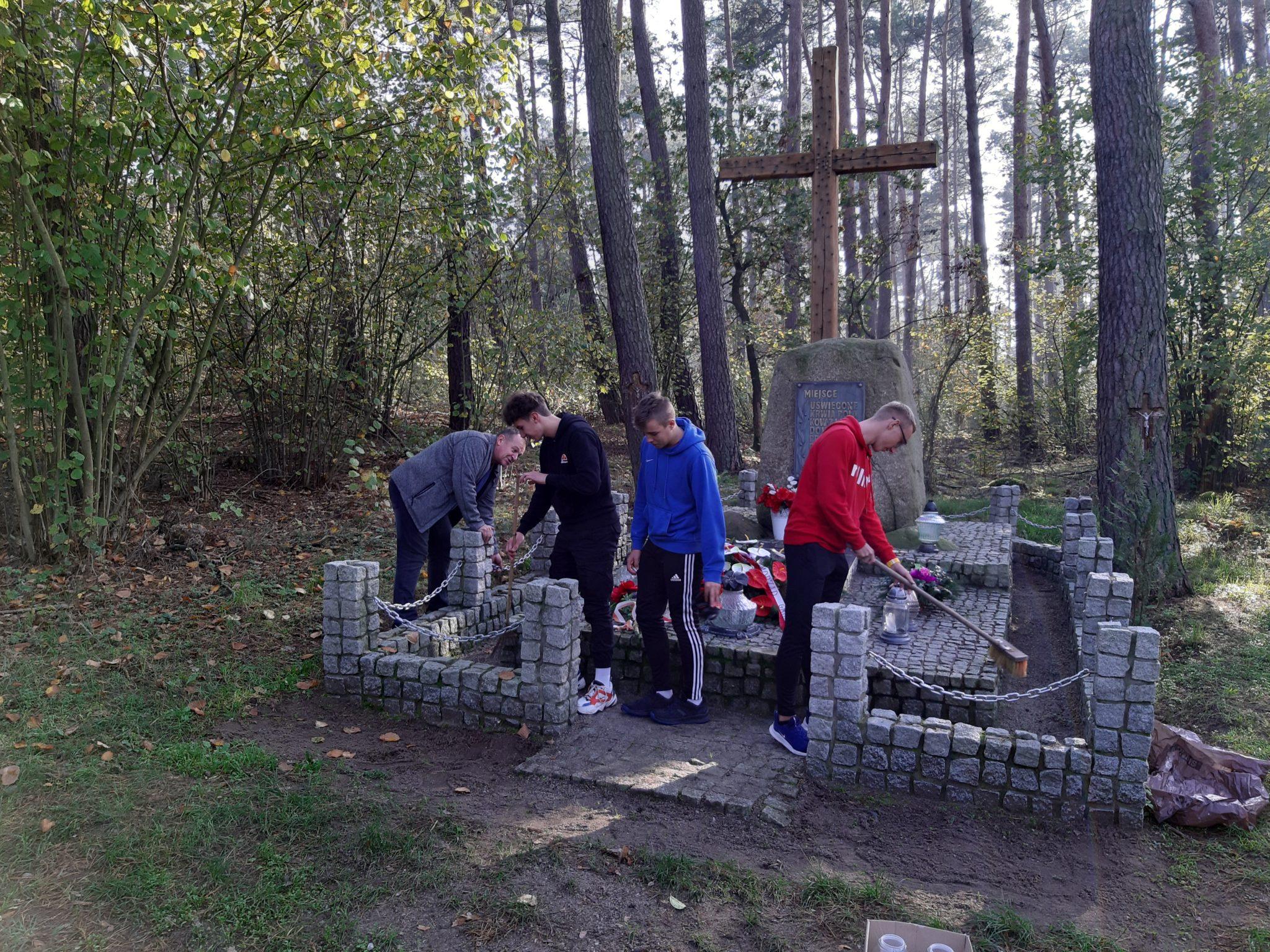 sprzątanie grobu1